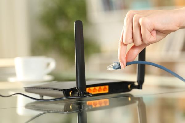 Cómo utilizar un router como repetidor de WiFi - Cómo configurar router como repetidor WiFi con cables