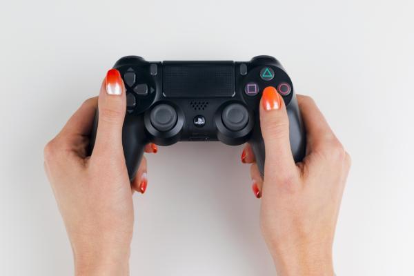Mando de PS4 no carga ni enciende: trucos y cómo arreglarlo - Cómo cambiar la batería de un mando de PS4